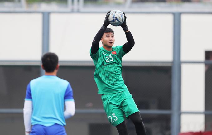 Văn Toản - thủ môn bắt chính hai trận gặp Brunei và Lào -