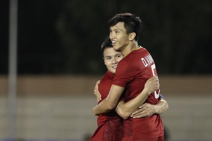 Văn Hậu đá chính hai trận gần nhất của U22 Việt Nam tại SEA Games. Ảnh: Đức Đồng