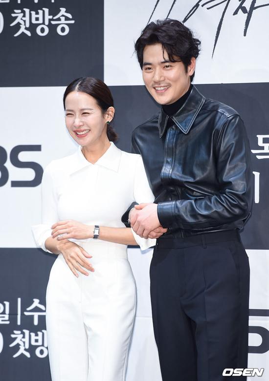 Nữ hoàng phim nóng Hàn khoe ba vòng - 3