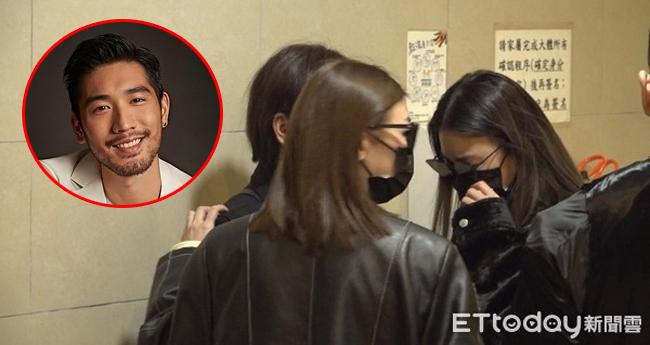 Bạn gái Cao Dĩ Tường khóc rất nhiều trong ngày đưa thi thể anh về Đài Loan.