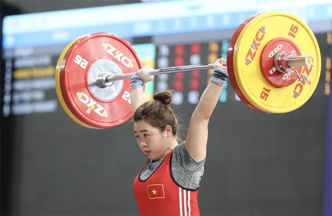 Nữ VĐV quê Lào Cai thành công với mức cử giật 95 kg.