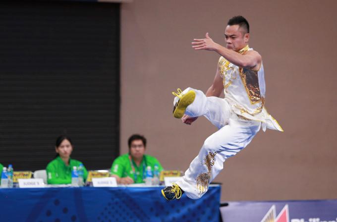 Phạm Quốc Khánh là người thi cuối cùng của bài nam quyền. Chịu sức ép bởi điểm số 9,63 của người thi trước, nhưng VĐV Việt Nam biểu diễn xuất sắc, trong đó có cú tung người đá trên không. Quốc Khánh đạt 9,65 điểm, cao nhất trong số các bài đã thi.