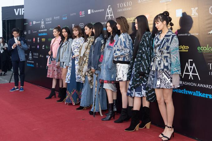Phí Phương Anh là đại diễn mẫu duy nhất của Việt Nam tham gia catwalk tại Asia Fashion Awards tổ chức ở Đài Loan.