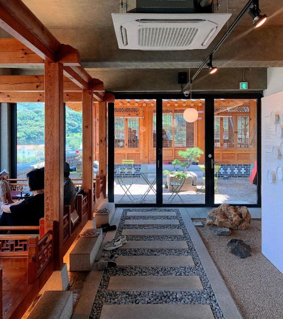 Nhà hàng view đẹp Hari giới thiệu trong show Hàn - 6
