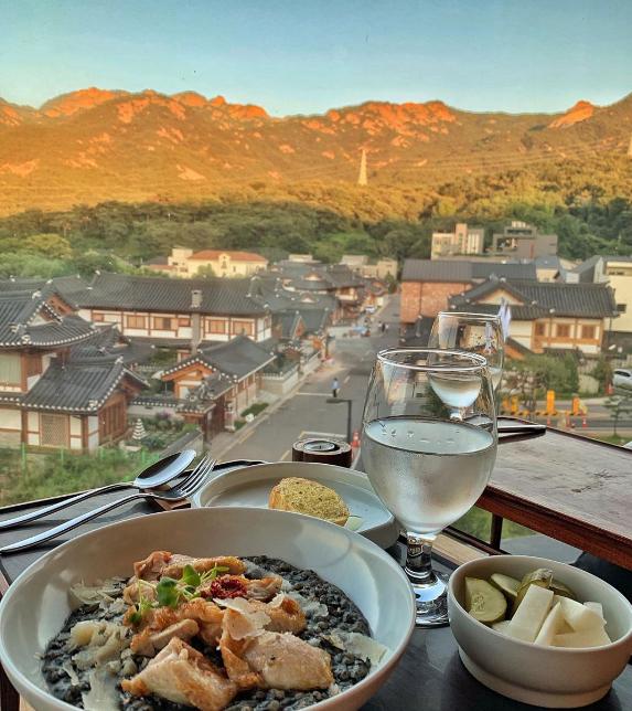 Nhà hàng view đẹp Hari giới thiệu trong show Hàn - 4