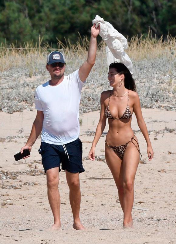 Camila và Leonardo trong kỳ nghỉ hồi tháng 8.