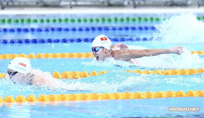 Ở nội dung 200m bướm, Ánh Viên bơi ở làn số 5, cô đạt thành tích 2 phút 15 giây 41, đứng thứ tư vòng loại và giành quyền vào chung kết.