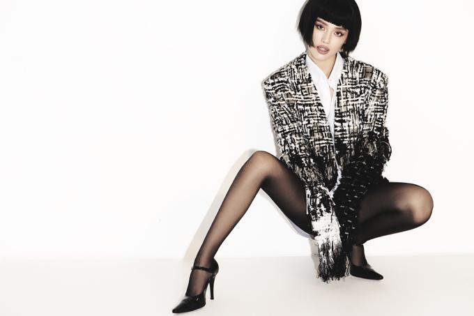 Trong dàn fashionista thực thụ của làng giải trí Việt, Khánh Linh là một trong những gương mặt truyền cảm hứng về phong cách mặc đẹp và đúng trend.
