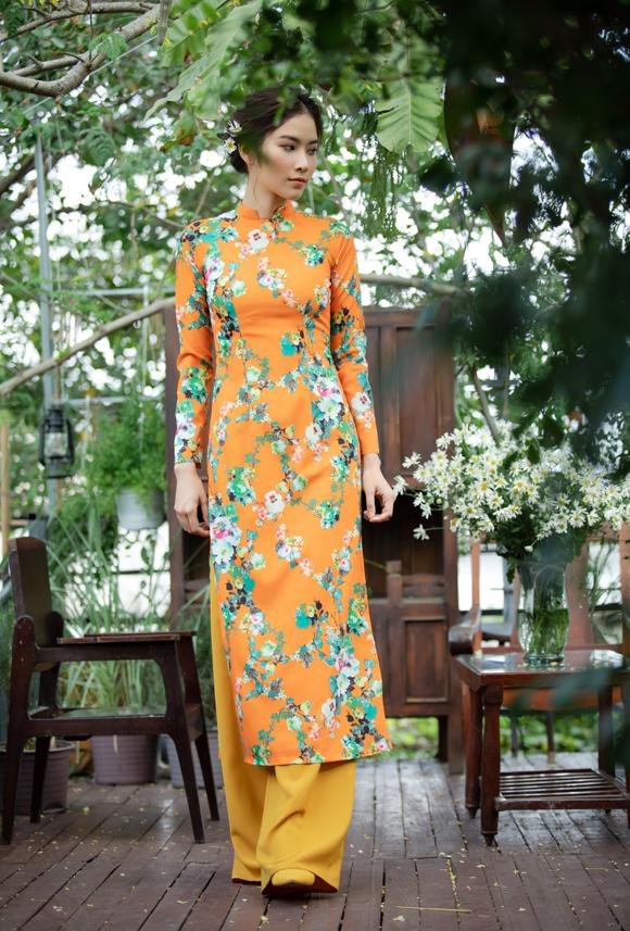 Những chiếc áo dài Tết của tôi năm nào cũng vậy, rất hiện đại ở sự gọn gàng, thanh thoát nhưng vẫn giữ đúng tinh thần áo dài Việt Nam thuần tuý về kết cấu và phom dáng. Đối với tôi, áo dài là những điều bình dị, nhẹ nhàng và lãng mạn, nhà tạo mốt 8X tâm sự.