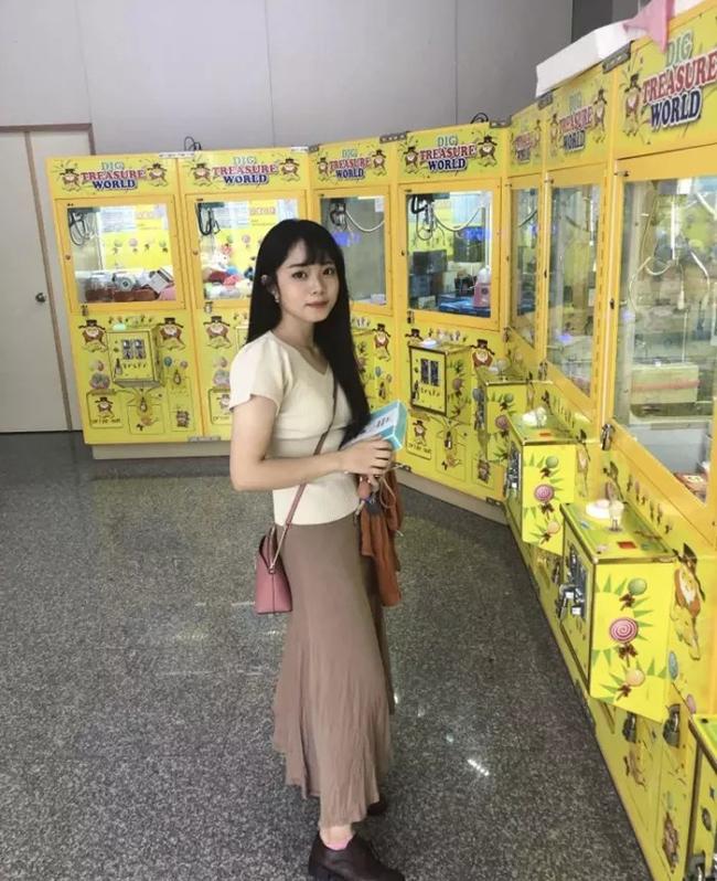 Kiên trì với việc kiêng đồ ngọt, tinh bột đã giúp cô gái người Đài Loan lột xác thành công.