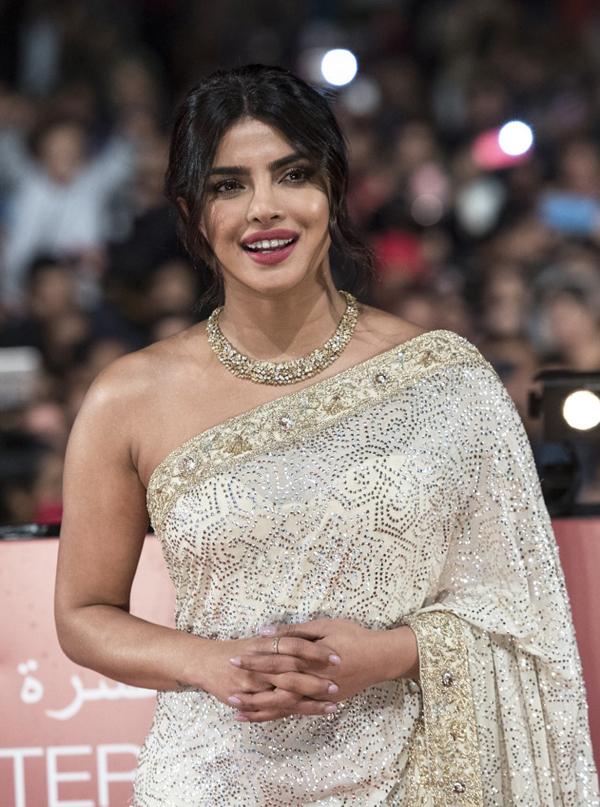 Priyanka Chopra chọn trang phục truyền thống khi tham dự liên hoan phim ở Morocco.