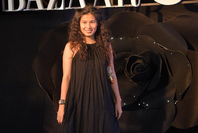 Nhà thiết kế Thủy Nguyễn đến chia sẻ về thời trang và chuyện làm đẹp với các nghệ sĩ.