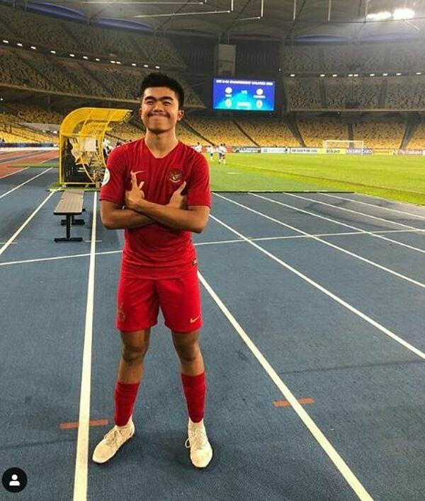 Trước đó ít tháng anh khoác áo U16 Indonesia đá ở giải U16 châu Á.