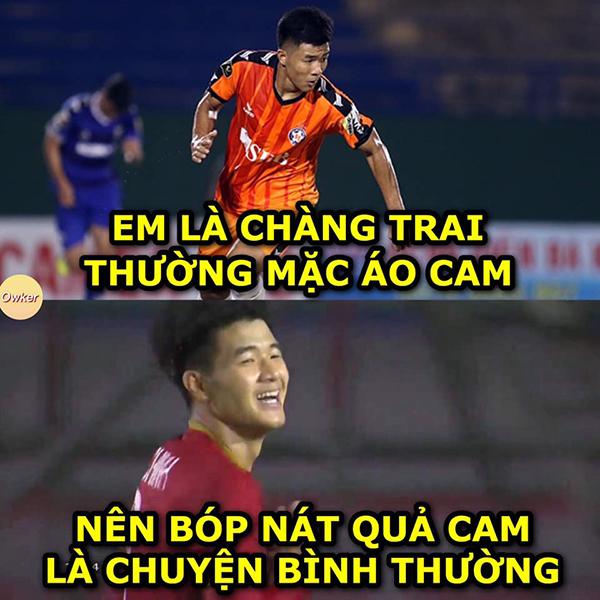 Hà Đức Chinh là cầu thủ đang có phong độ ấn tượng và được khi ghi nhiều bàn thắng trong trận với Campuchia.