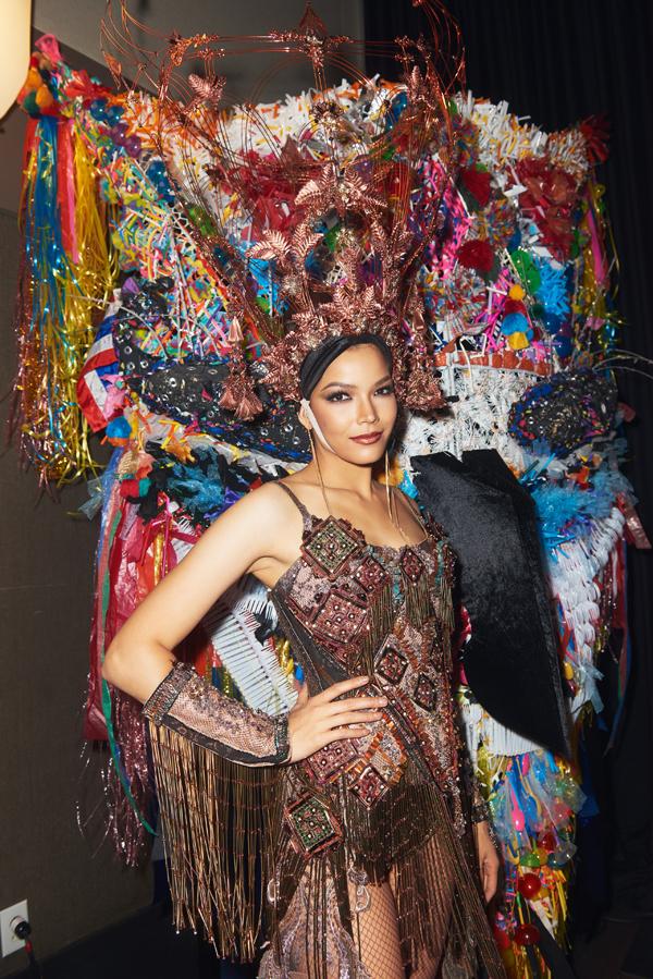 Trang phục của người đẹp Thái Lan.