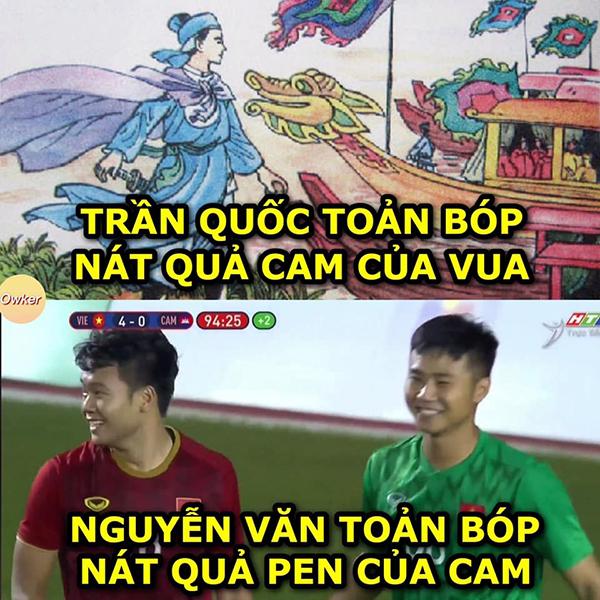 Ở phút cuối của trận đấu, thủ môn Văn Toản cản phácú đá penalty một cách xuất sắc, bảo toàn tỉ số 4-0 cho U22 Việt Nam.