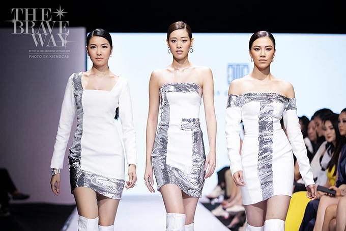 Hoa hậu Khánh Vân (đứng giữa) có chiều cao vượt trội so với hai á hậu khi xuất hiện trên sàn catwalk ở thềm bán kết.