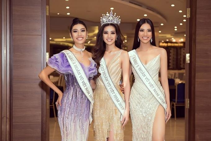 Từ trái qua: Á hậu 2 Thúy Vân - Hoa hậu Khánh Vân - Á hậu 1 Kim Duyên.