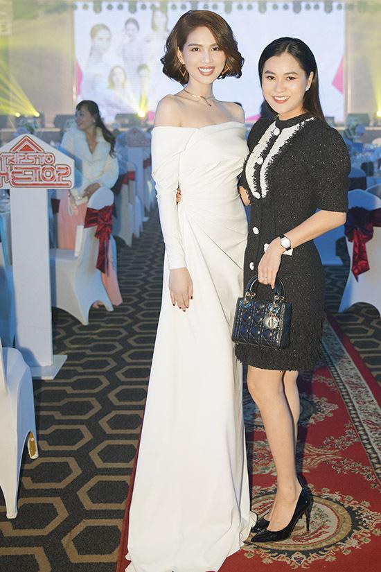 Diễn viên Lâm Vĩ Dạ đến ủng hộ sự kiện do Ngọc Trinh tổ chức.