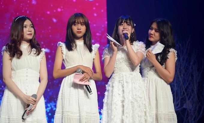 Các thành viên SGO48 bật khóc khi nhắc về kỷ niệm gắn bó với nhóm.