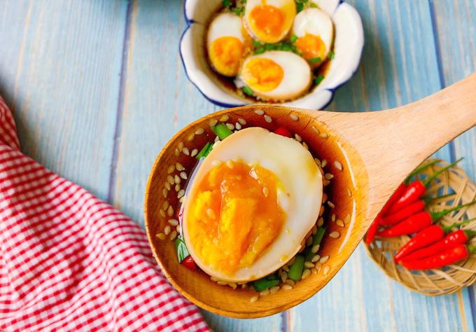 Trứng gà ngâm nước tương - Ngôi sao
