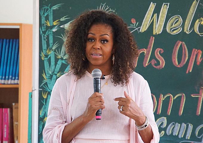 Bà Michelle Obama làm việc tại Long An. Ảnh: Mạnh Tùng.