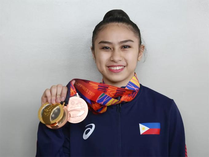 Daniela dela Pisa khoe tấm HC vàng và hai HC đồng trong lần đầu tiên dự SEA Games
