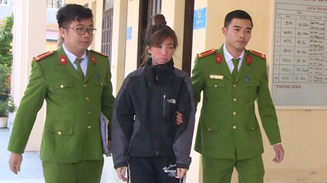 Thương bị cảnh sát bắt giữ.