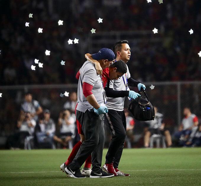 Evan Dimas rời sân