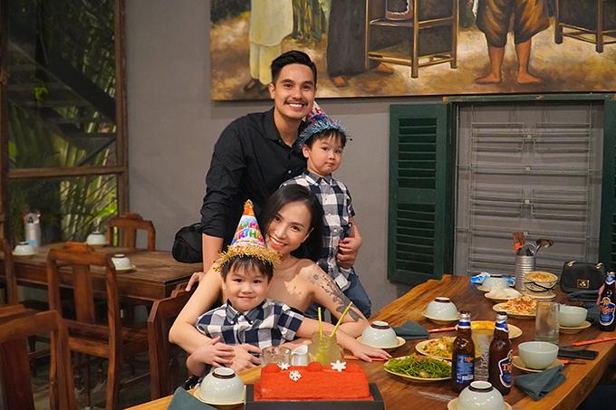 Ngày 9/12, gia đình Baggio - Quỳnh Trâm tổ chức tiệc sinh nhật đơn giản cho nam diễn viên tại một nhà hàng ở TP HCM.