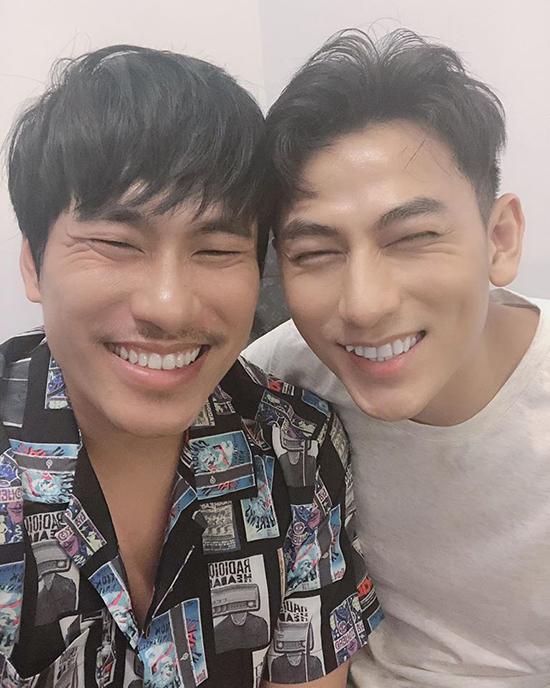Kiều Minh Tuấn và Isaac thân nhau sau khi đóng chung Anh trai yêu quái.