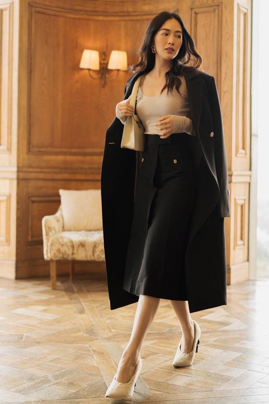Mai Thanh Hà thích váy áo đơn sắc, kiểu dáng đơn giản, năng động.