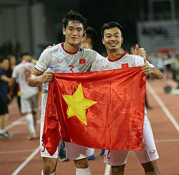 Tấn Sinh và Đỗ Thanh Thịnh.