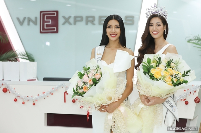 Hai người đẹp rạng rỡ giao lưu tại toà soạn báo VnExpress.