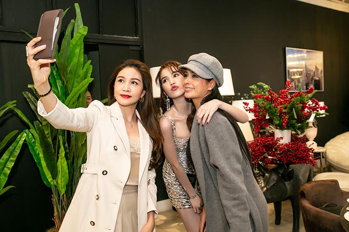 Cô hội ngộ cựu siêu mẫu Thúy Hằng và người đẹp Ngô Thu Trang.