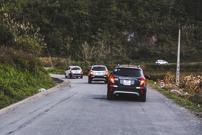 VinFast tổ chức hành trình chinh phục cực Bắc tổ quốc và khám phá Lễ hội hoa tam giác mạch Hà Giang từ ngày 6/12 đến ngày 8/12. Hành trình quy tụ 100 chiếc Fadil, Lux SA2.0 và Lux A2.0. Tất cả xe VinFast đều sở hữu động cơ với sức mạnh 98 mã lực. Trong đó, VinFast Fadil dù là dòng xe cỡ nhỏ dành cho đô thị cũng dễ dàng vượt qua những cung đường dốc đầy hiểm trở của núi rừng phía Bắc.