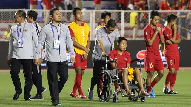 Tiền vệ Indonesia buồn rầu