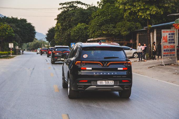 Cả 3 mẫu xe của VinFast đều sử dụng khung gầm, động cơ và linh kiện từ những thương hiệu và nhà cung ứng hàng đầu thế giới. Nhờ thế, Asean Ncap đã cấp chứng chỉ an toàn 4 sao cho Fadil (cao nhất với xe cỡ nhỏ) và 5 sao cho cặp đôi Lux A2.0, Lux SA2.0.