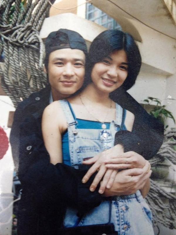 Võ Hoài Nam và vợ lúc còn trẻ, khi ấy anh 30 tuổi còn bà xã mới 18 tuổi.