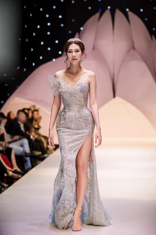 Váy cưới phong cách hoàng gia cổ điển - page 2 - 1