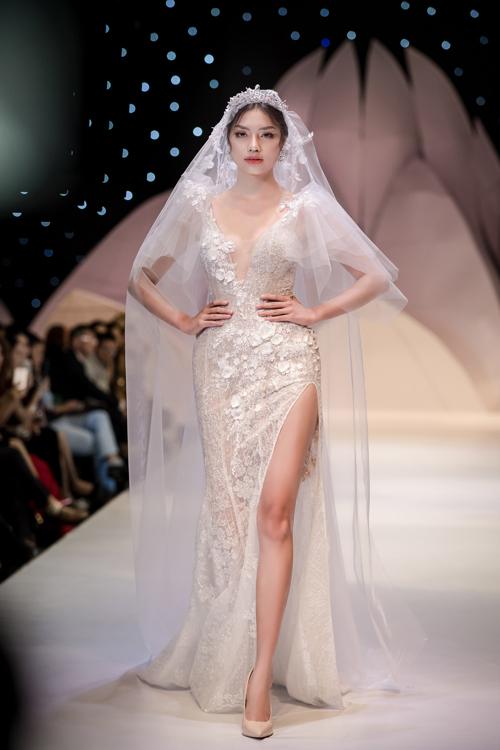 Váy cưới phong cách hoàng gia cổ điển - page 2 - 2