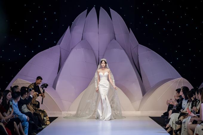 Váy cưới phong cách hoàng gia cổ điển - page 2 - 4