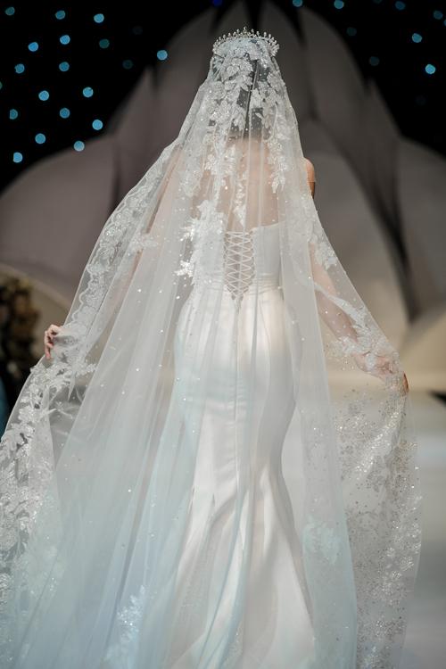 Váy cưới phong cách hoàng gia cổ điển - page 2 - 6