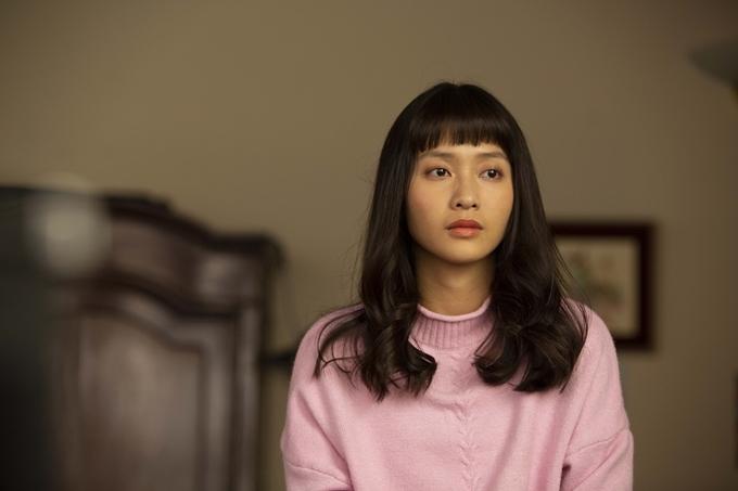 Khả Ngân đóng vai nữ sinh trung học.