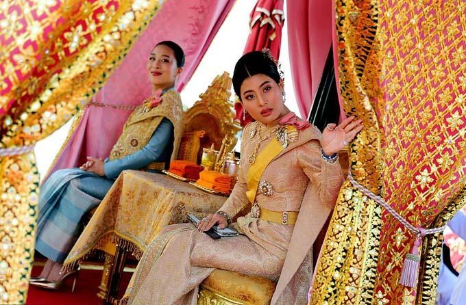 Thailands Princess Bajrakitiyabha and Princess Sirivannavari Nariratana take part in a royal barge river procession along the Chao Praya river