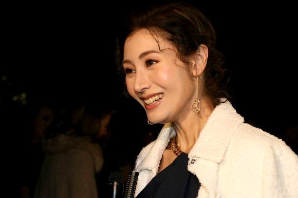 Đăng quang hoa hậu năm 1988 khi 18 tuổi, Lý Gia Hân được mệnh danh là Hoa hậu đẹp nhất trong lịch sử Hong Kong. Cô từng trải qua mối tình nổi tiếng kéo dài bốn năm (1993-1997) với Thiên vương Lê Minh. Chồng hiện tại của cô - Hứa Tấn Hanh - là một thương gia giàu có, gia cảnh bề thế tại Hong Kong. Doanh nhân họ Hứatừng hẹn hò với Lưu Gia Linh năm 1986 và trải qua một đời vợ trước khi nên duyên với Lý Gia Hân. Sau khi kết hôn, Gia Hân - Tấn Hanhcó một con trai, cuộc sống rất giàu có.Nhiều năm nay, Lý Gia Hân không còn đóng phim, chỉ thi thoảng đi sự kiện.