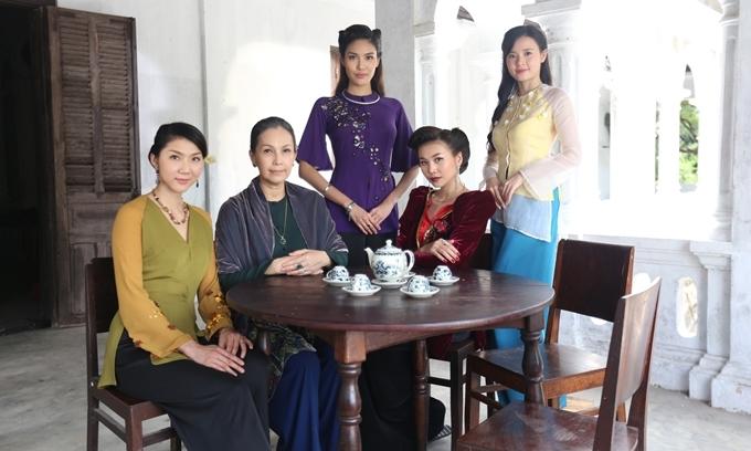 Dàn nữ chính của phim Mẹ chồng (từ trái qua): Ngọc Quyên, Diễm My, Lan Khuê, Thanh Hằng, Midu.