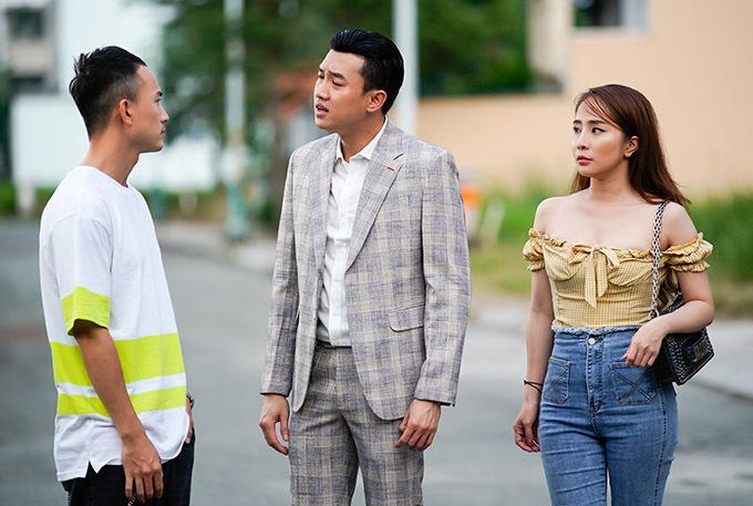Quốc Trường tiết lộ sau một cảnh quay của phim Về nhà đi con anh đã mời hai bạn diễn Anh Vũ, Quỳnh Nga về nhà mình ăn cơm, thay vì ra quán.