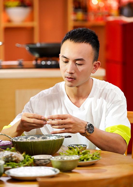 Anh Vũ cho biết anh cũng là một người nấu ăn khá nhưng chỉ chuyên các món miền Bắc.