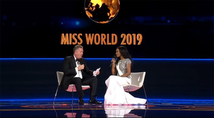 Piers Morgan phỏng vấn người đẹp Jamaica.